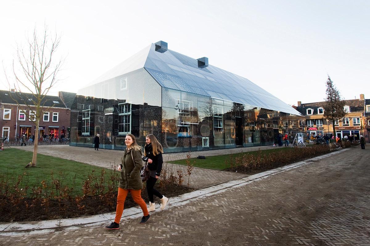 The Glass Farm at Schijndel market square designed by MVRDV (Photo: Persbureau van Eijndhoven)