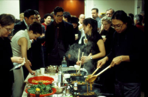 Rirkrit Tiravanija serves thai food to patrons at 303 Gallery, NY (1992), courtesy of leyenedoundonut.mixxt.com.