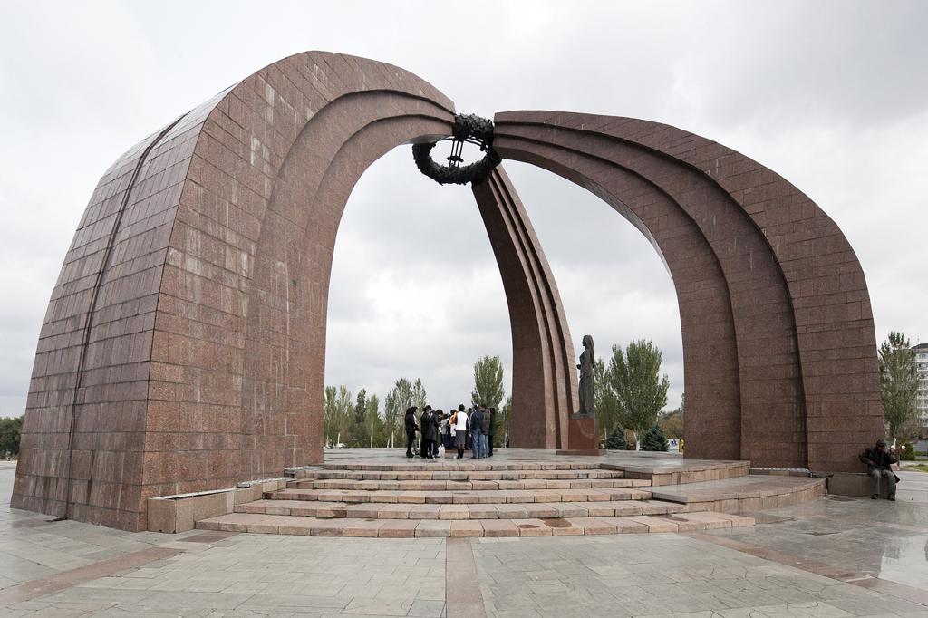 Ostalgia Bishkek Kyrgyzstan Victory Monument 2010 ©Simona Rota