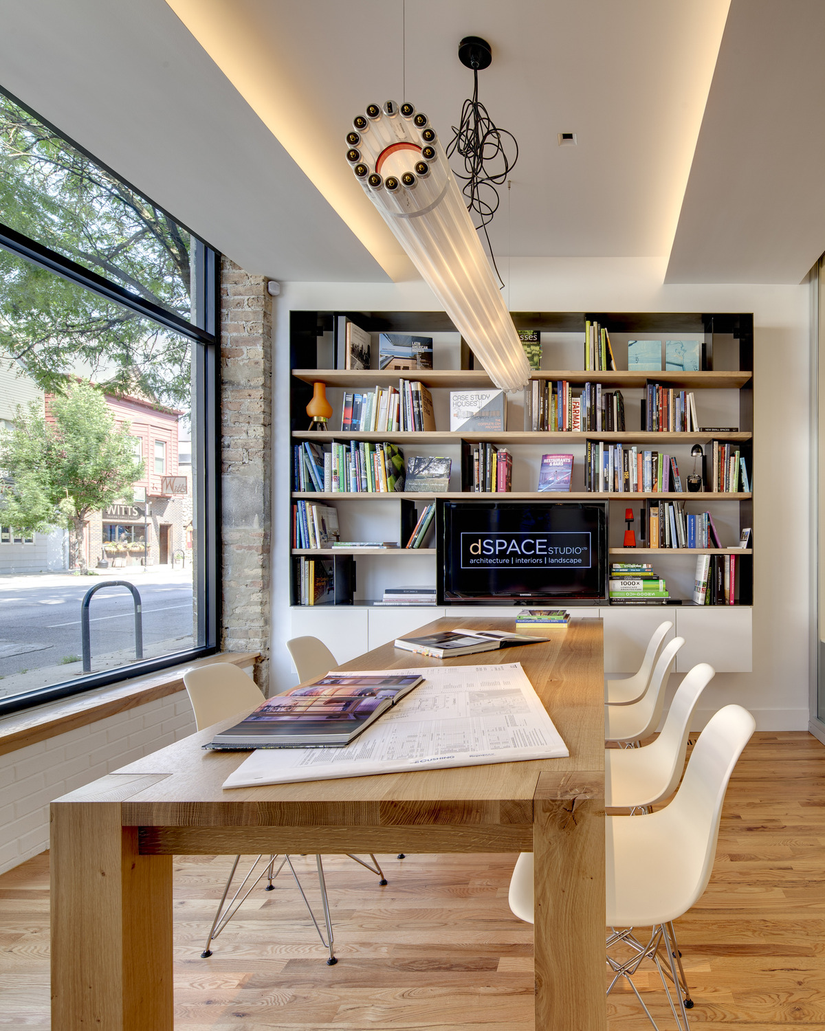Modern Office Spaces: CONTEMPORARY OFFICE INTERIOR