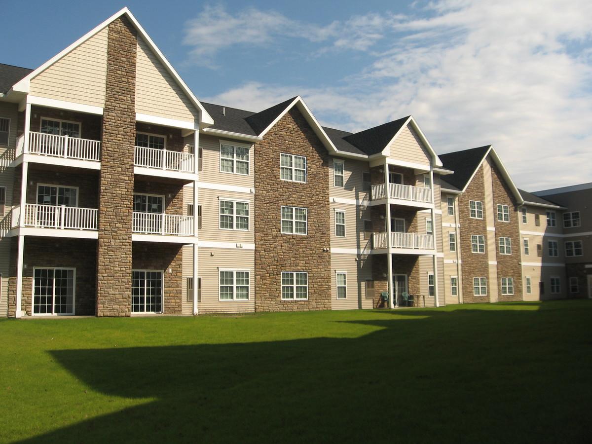 Falcon trace senior housing derek gribulis archinect for Seniors house