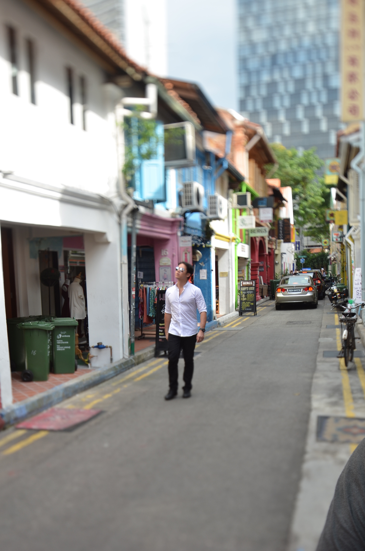 Pomeroy visiting the shophouses in Singapore. Image courtesy of Pomeroy Studios.