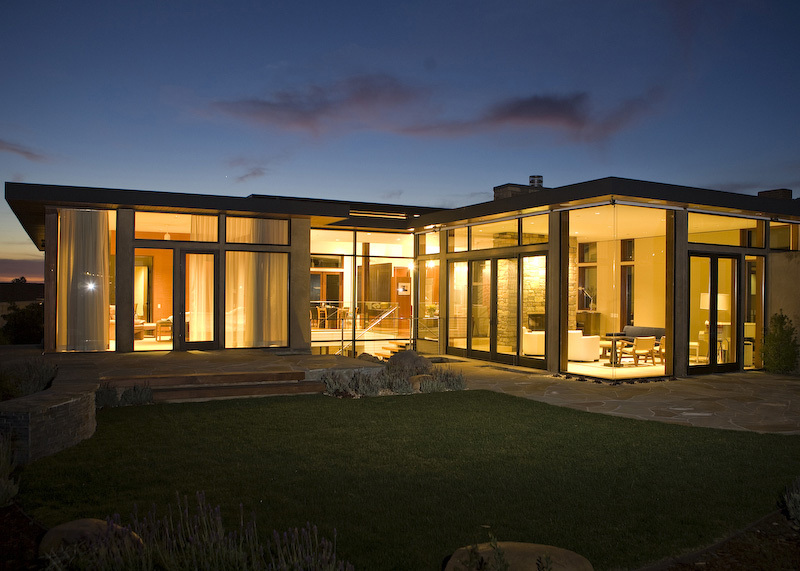 Terrada Residence in Pacific Palisades, CA by CAUSSEAUX | ARC, Inc.