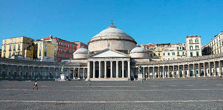 Figure 9 - Piazza del Plebiscito in Naples