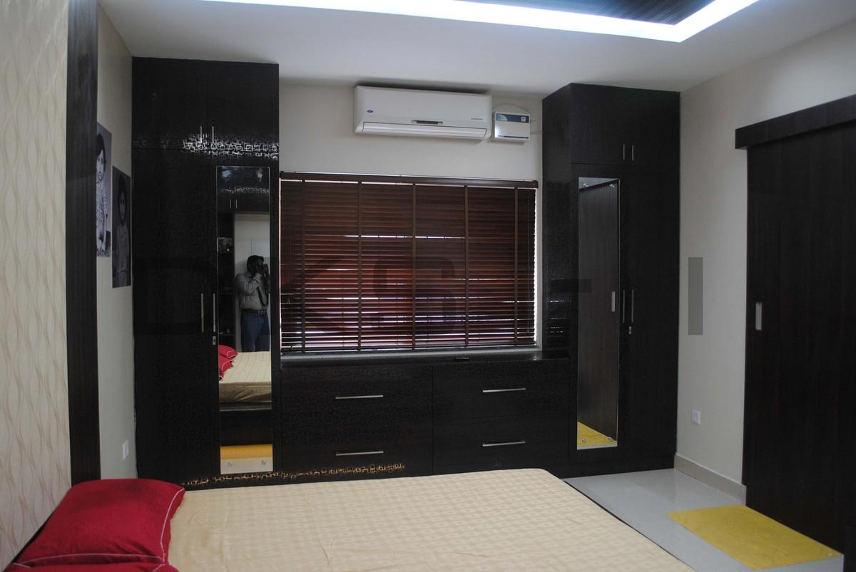 Residential interior design for mr keerthivarman for Dressing unit design
