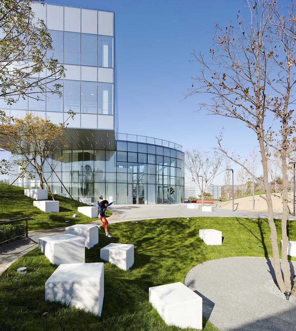 Landscape Architects: Vanke Daxing Yihezhuang Landscape