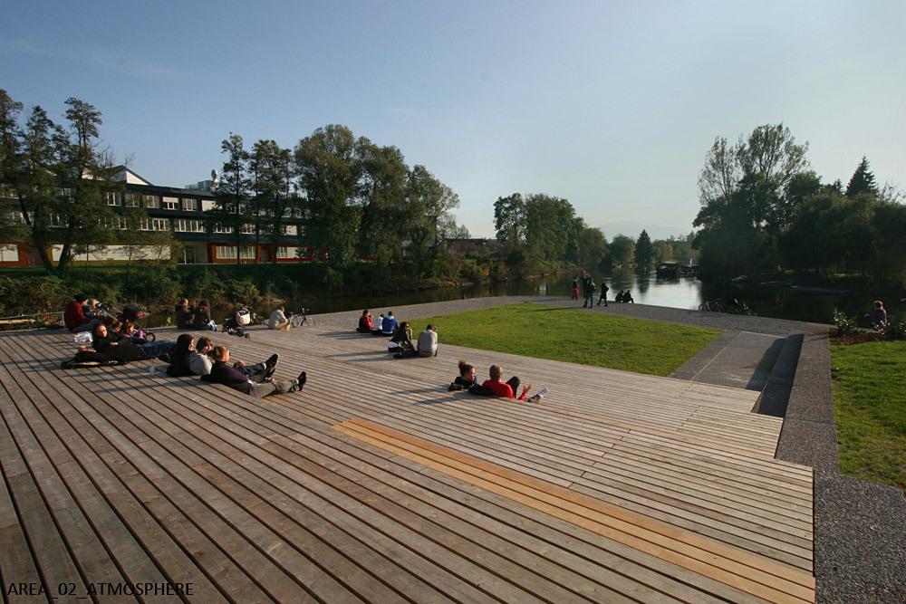 JOINT WINNER: RENOVATION OF THE RIVER LJUBLJANICA, Ljubljana (Slovenia), 2011 (Photo: ATELIER Arhitekti)
