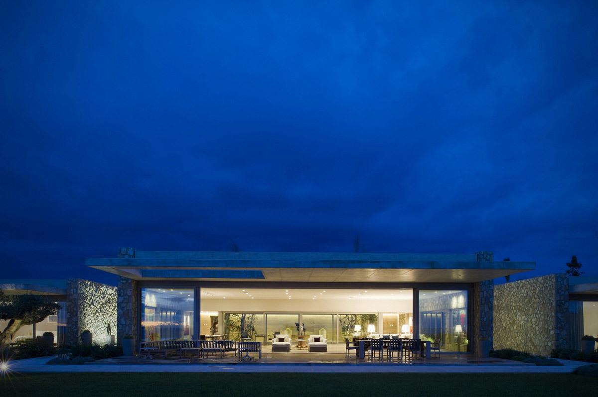 Villa London in Lluchmayor, Spain by CMV Architects