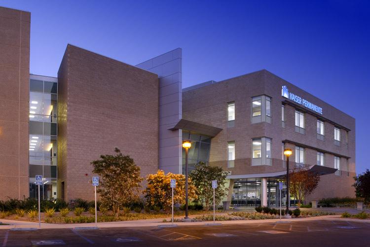 garden grove medical office building kaiser permanente taylor design archinect