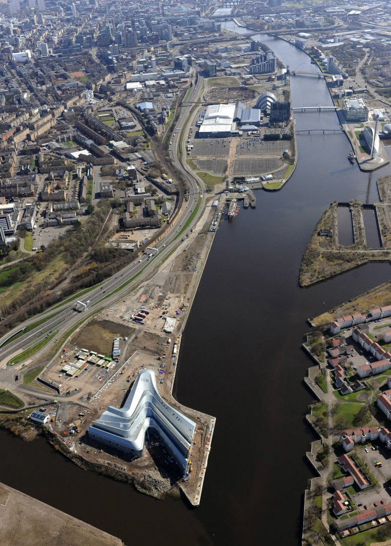 Aerial photo of Riverside Museum in its urban context (Photo: Hawkeye Aerial Photography)