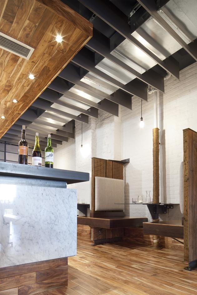 MOOBURGER - Detail at bar and booth