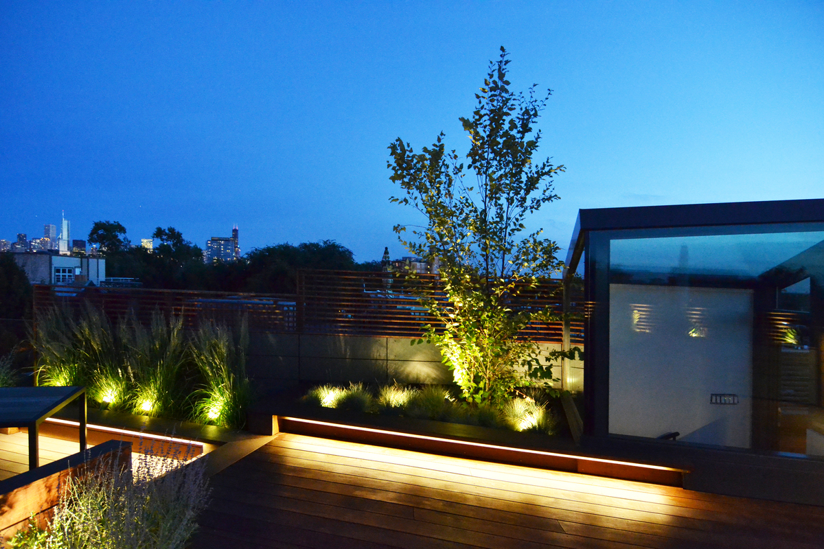 Roof deck in the neighborhood of lakeview in chicago