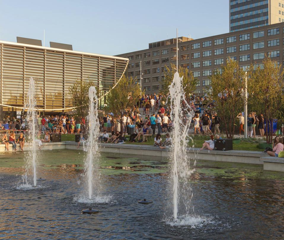 University community enjoys the new campus