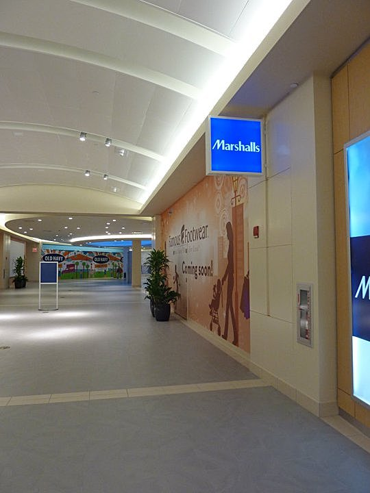 Lighting Detail at Mall Circulation Corridor
