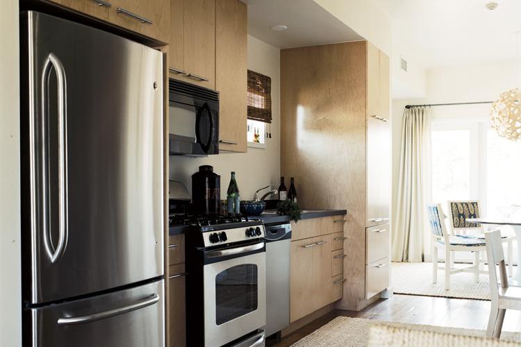 GreeN.O.LA Kitchen. Photo: Max Kim-Bee