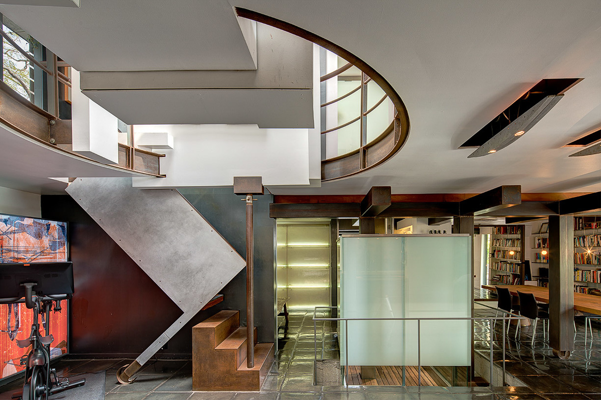 Want To Live In Thom Mayne S Iconic Sixth Street House