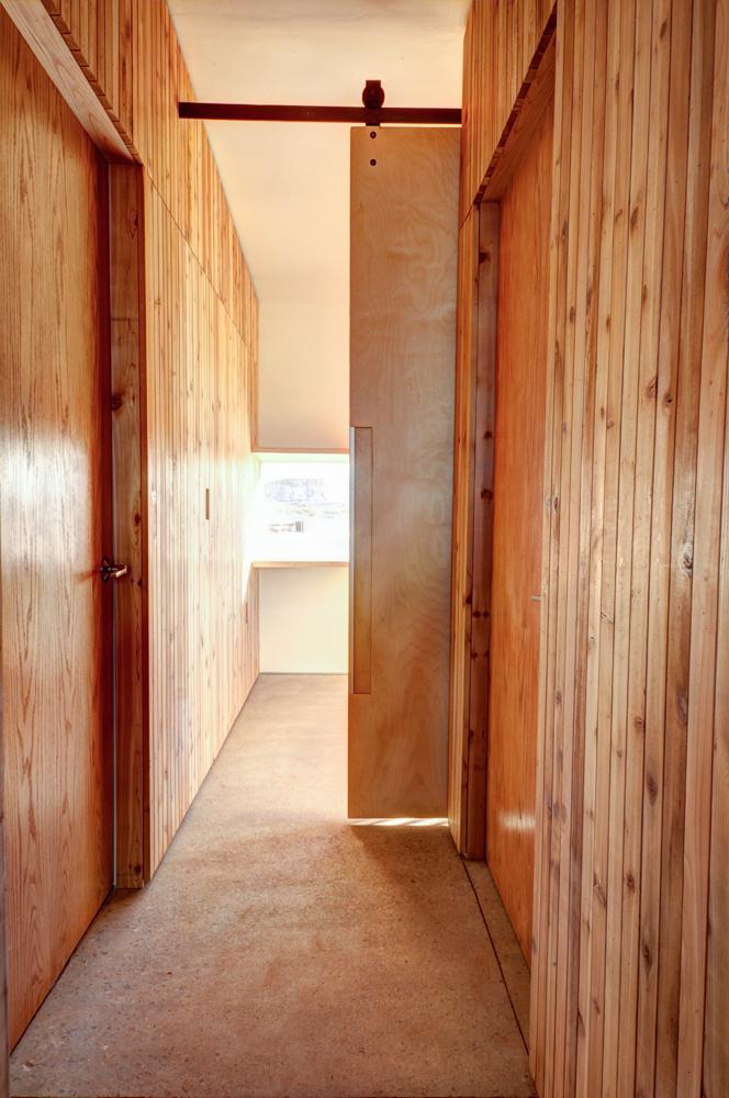Billjohn residence patrick beseda archinect - Madera paredes interiores ...