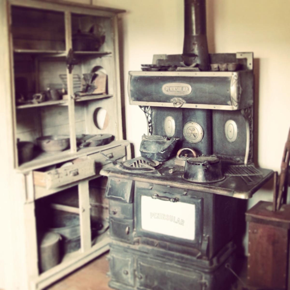 adobe: kitchen