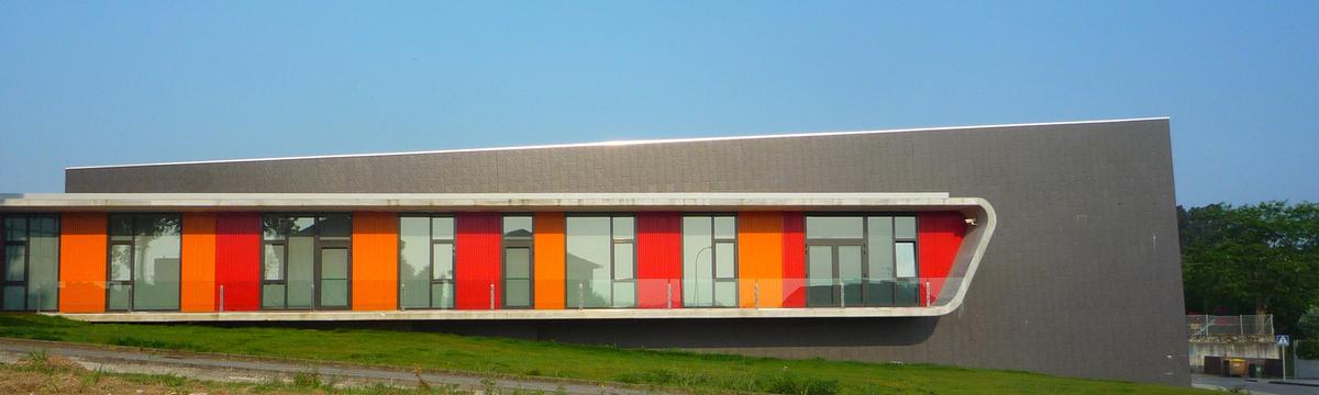 Dance School Oleiros.(A Coruña, Spain) NAOS ARCHITECTURE