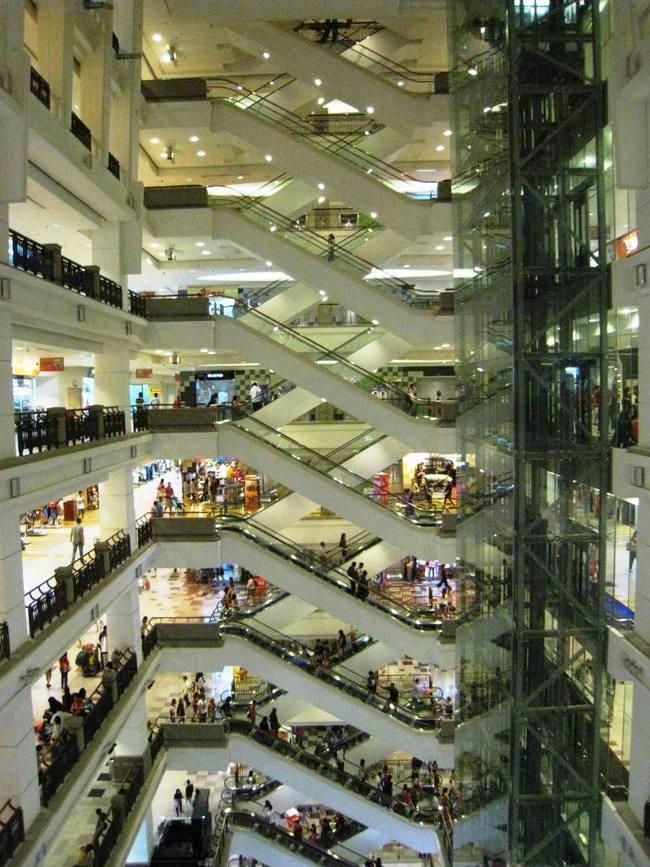 Berjaya Times Square, Kuala Lumpur, interior atrium via tonystefan