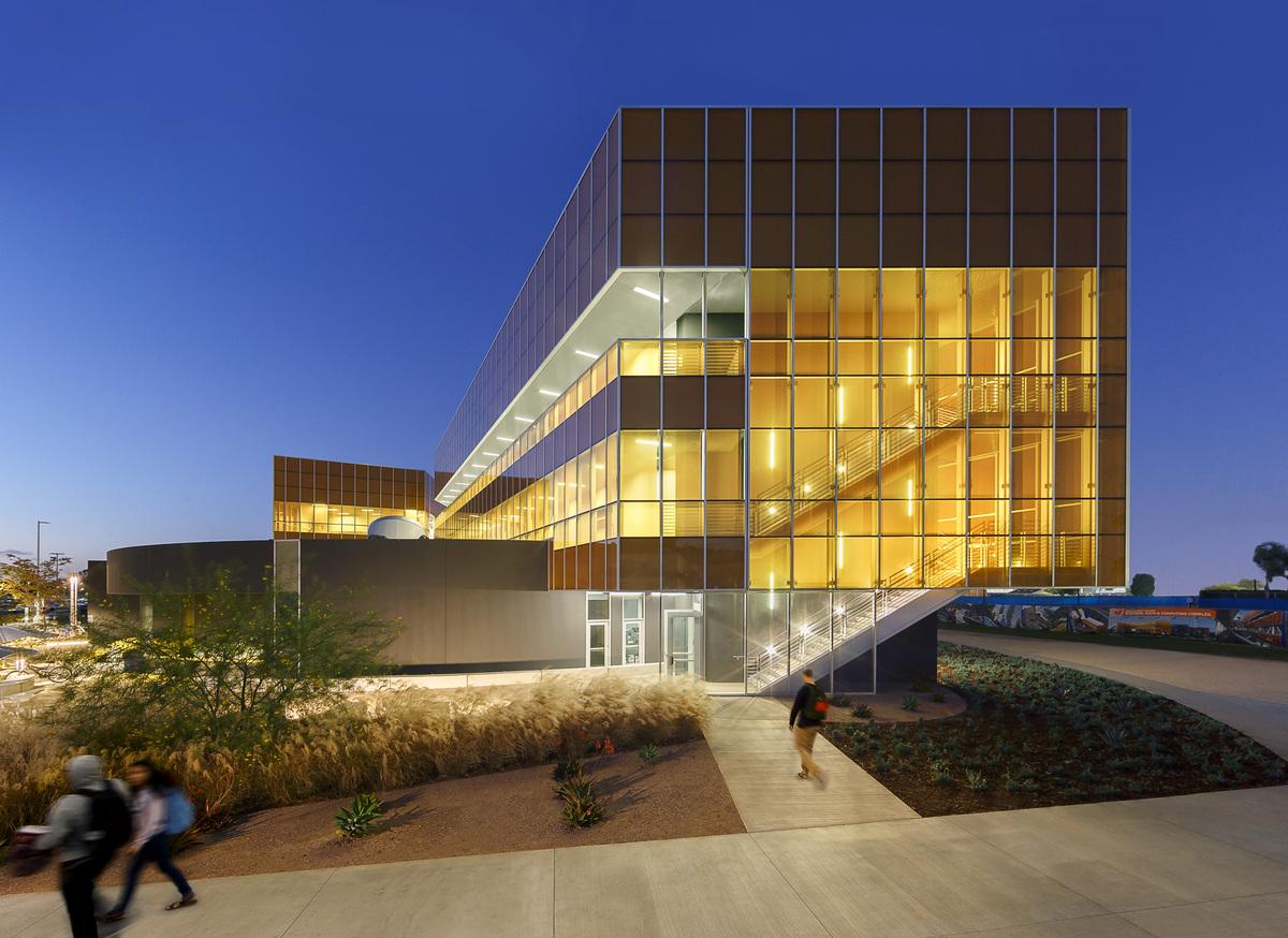 Orange Coast College Mathematics Business And Computing Center Building Lpa Inc Archinect