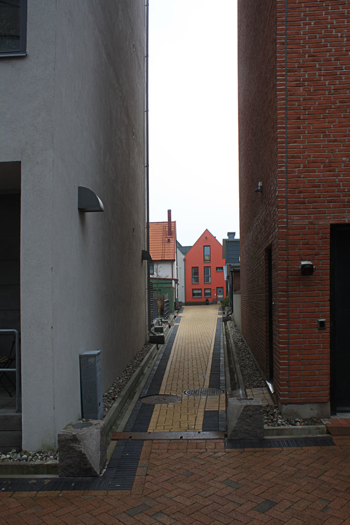 Narrow ally in the Bo01 housing complex in Malmö