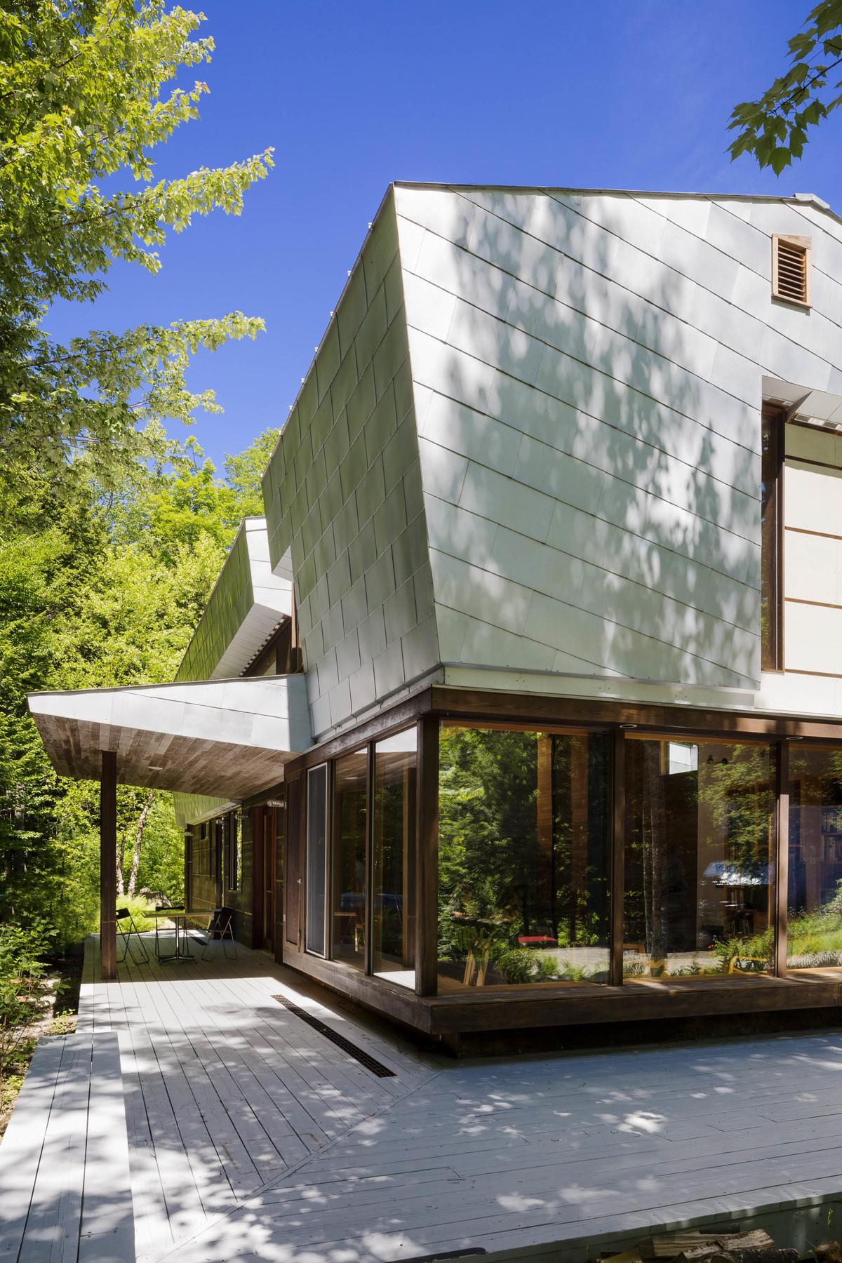 Mountain Architects Hendricks: INTERSTICE Architects