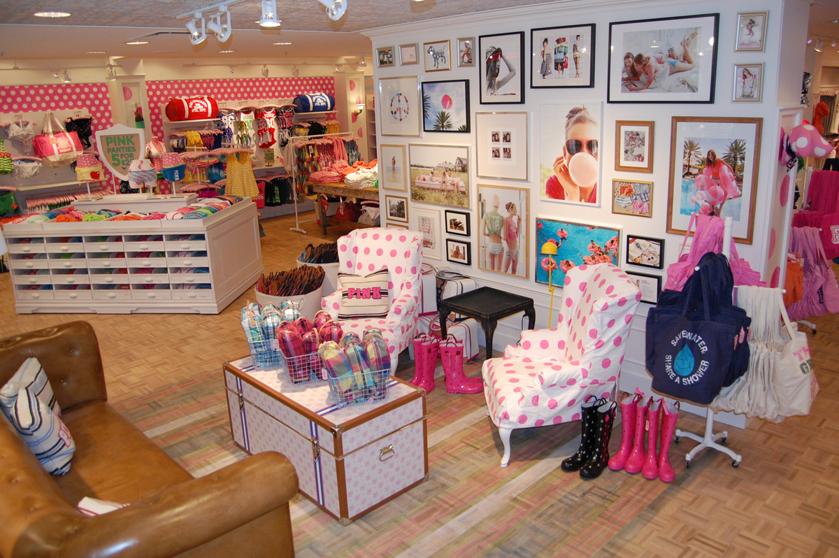 Victoria secret clothes store. Girls clothing stores