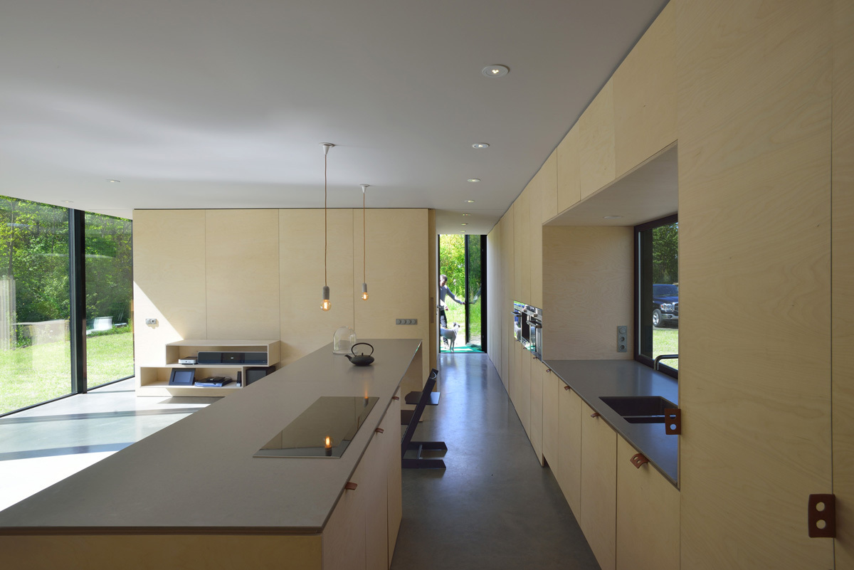 Long sightlines in the interior make the house appear larger from the inside