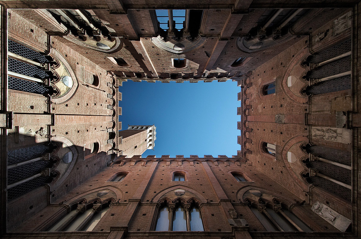 Court Tower looking up, Siena, Italy © Sam Javanrouh