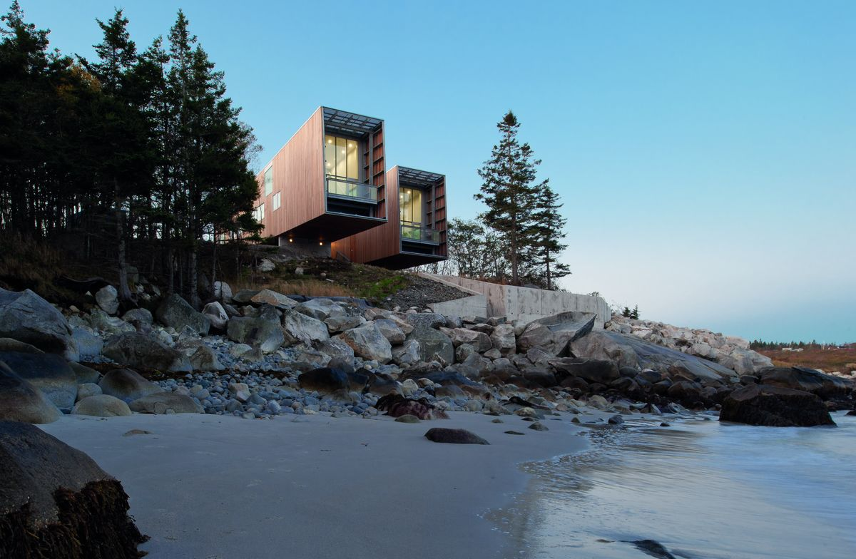 Two Hulls House, Port Mouton, Nova Scotia, 2008-2011 / Photograph: Greg Richardson