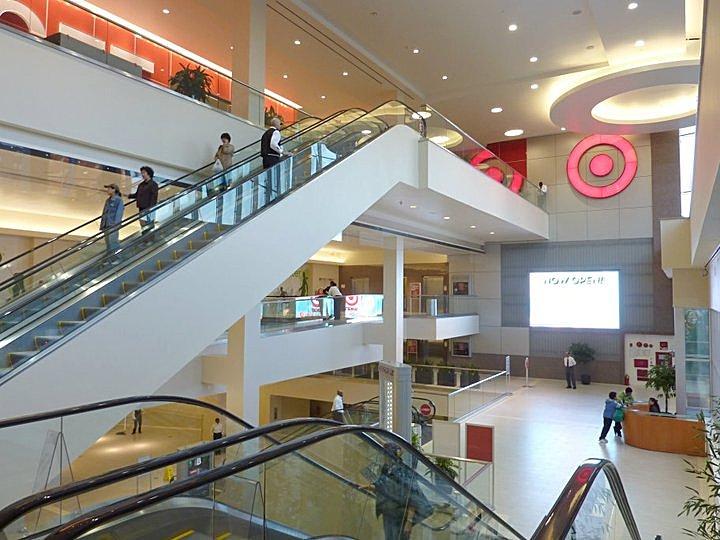 Retail Lobby Looking East