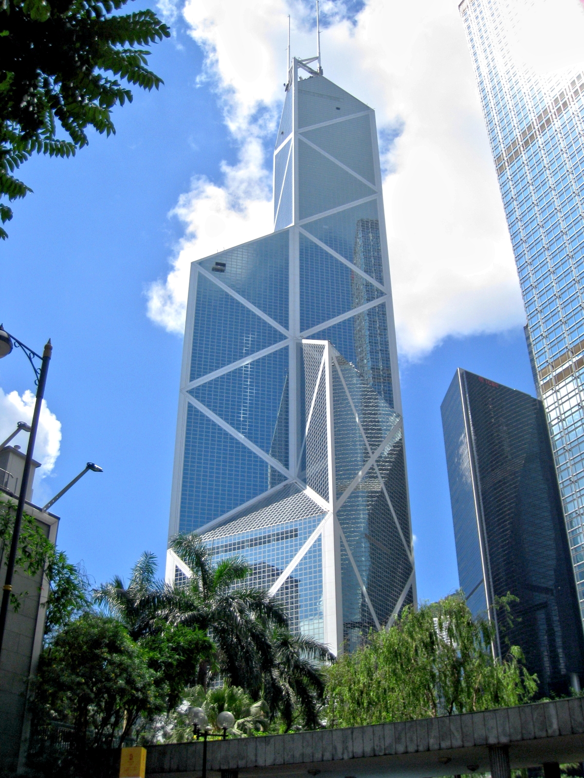 Bank of China Tower by I.M. Pei. Image: Wikipedia