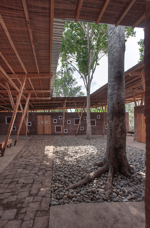 Cassia Co-op Training Centre by TYIN tegnestue Architects (atrium) photo by Pasi Aalto