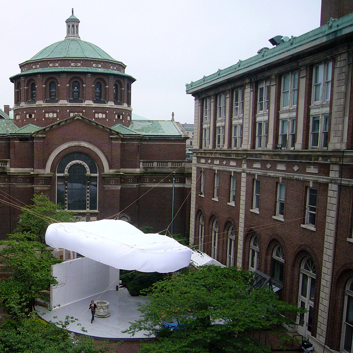 BOB, an inflatable cloud above a public bathroom and forum, the result of a pedagogical experiment involving graduate art and architecture students at Columbia University