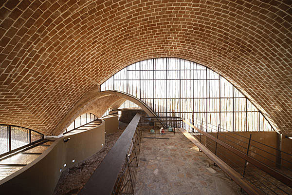 Mapungubwe Interpretation Centre Mapungubwe National Park, Limpopo, South Africa, 2002-2010. Courtesy of Peter Rich Architects