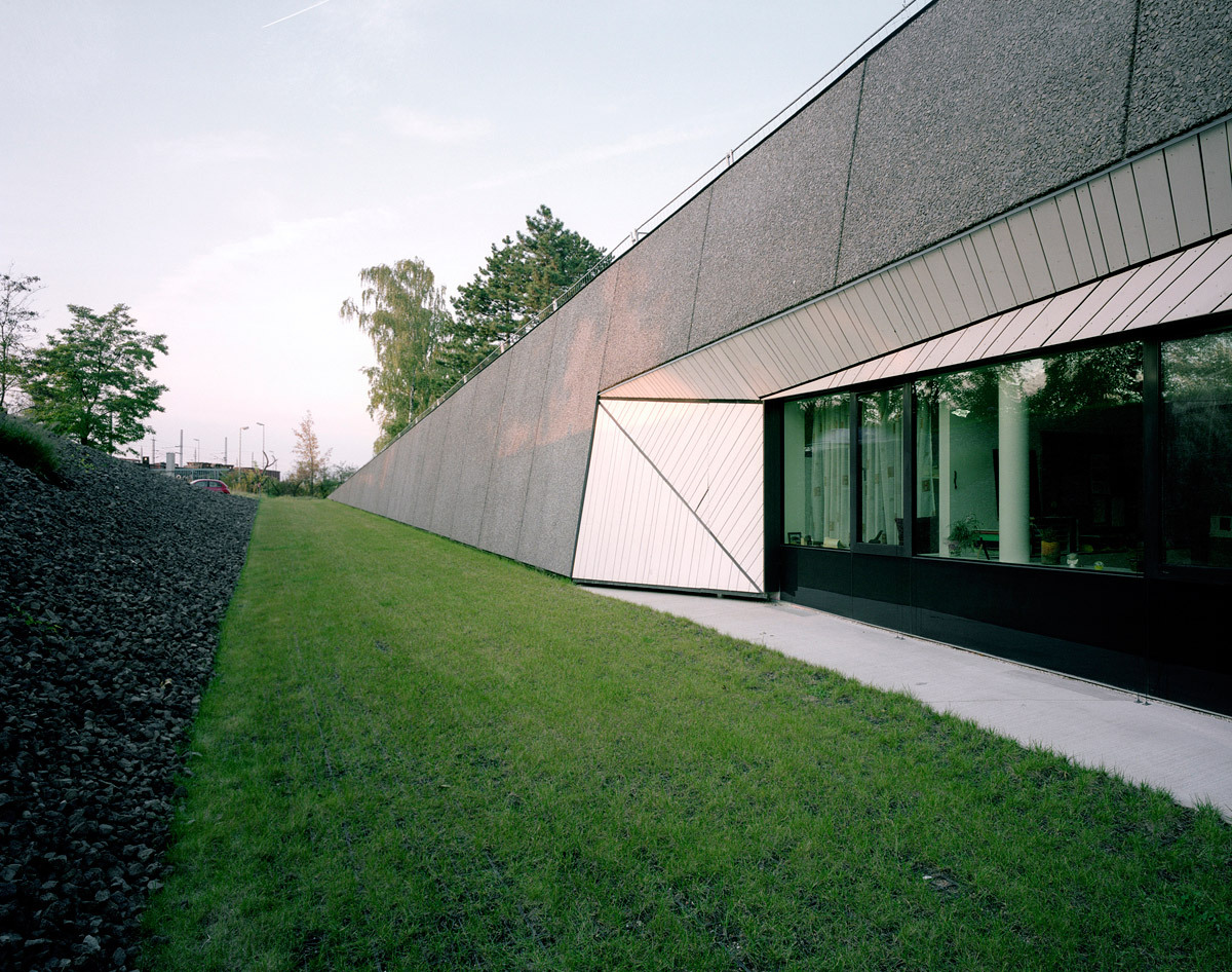 Exterior (Photo: David Schreyer)