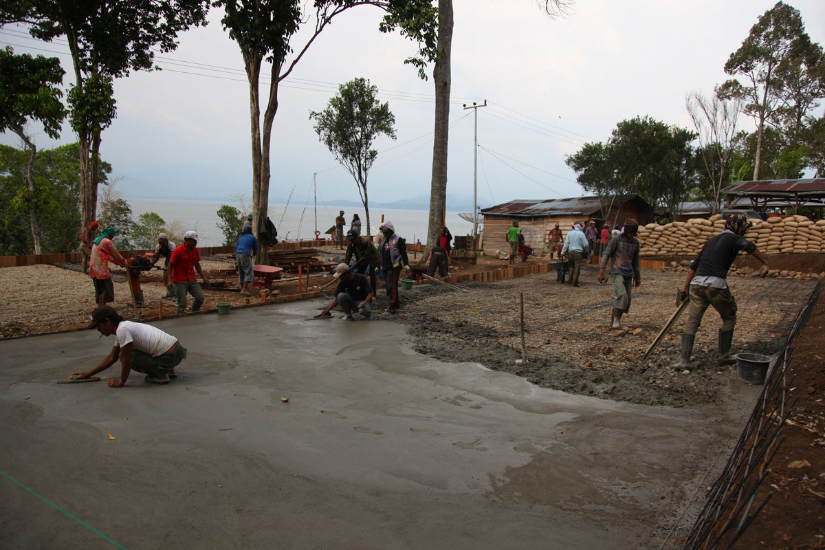 Casting the concrete slabs (Photo: Zifeng Wei)