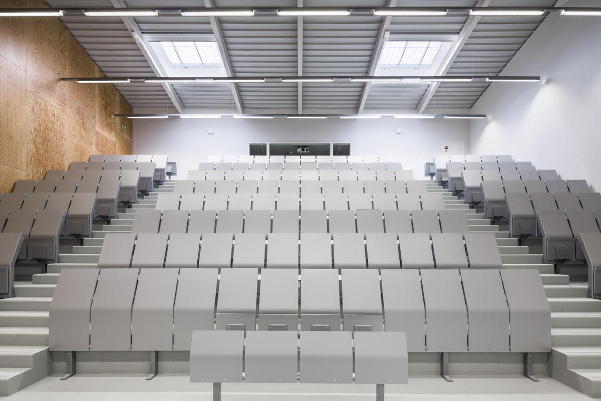 urban barn two university auditoriums revitalize a city bock azc atelier z ndel cristea. Black Bedroom Furniture Sets. Home Design Ideas