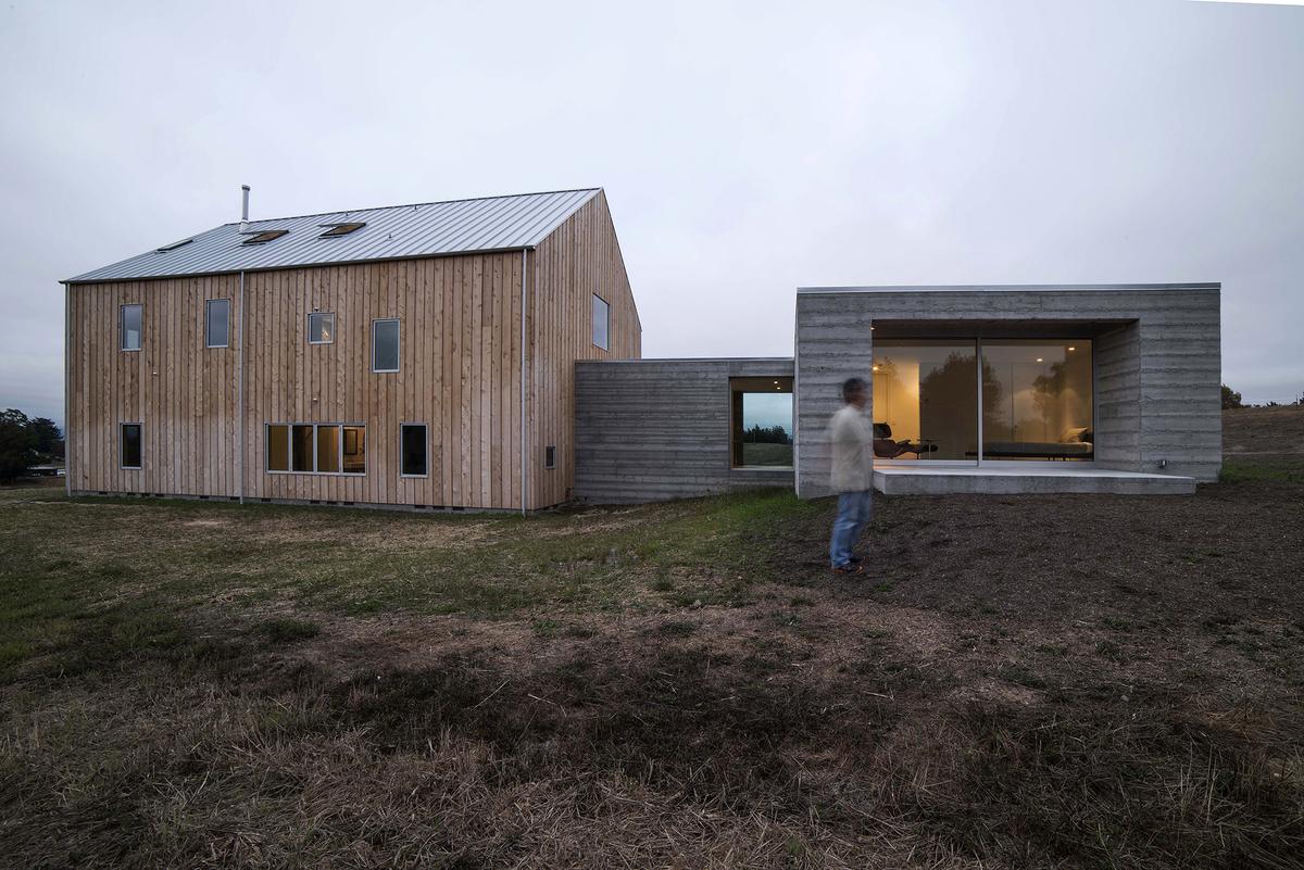 Sebastopol Barn House Exterior Modlar