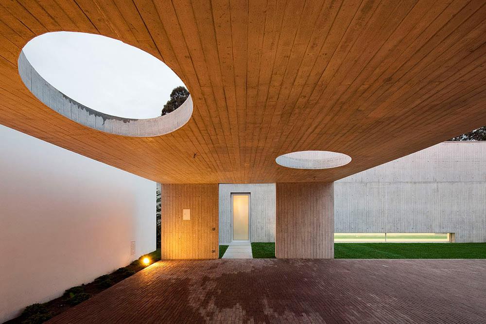 Exterior (Photo: Nelson Garrido)