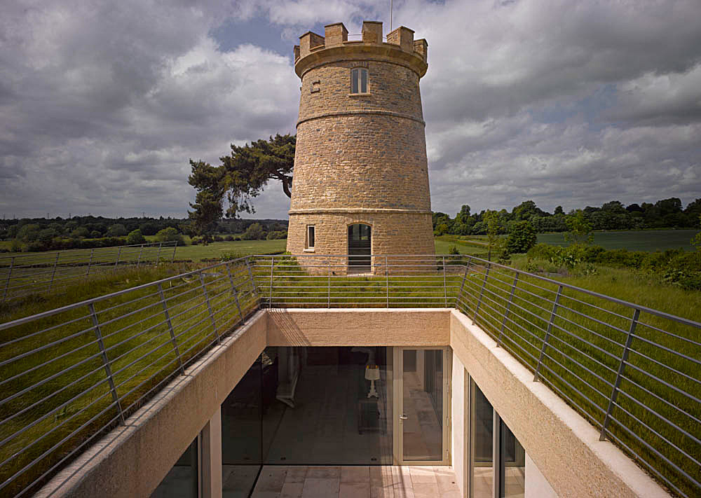 Round Tower in Gloucestershire, GB by De Matos Ryan