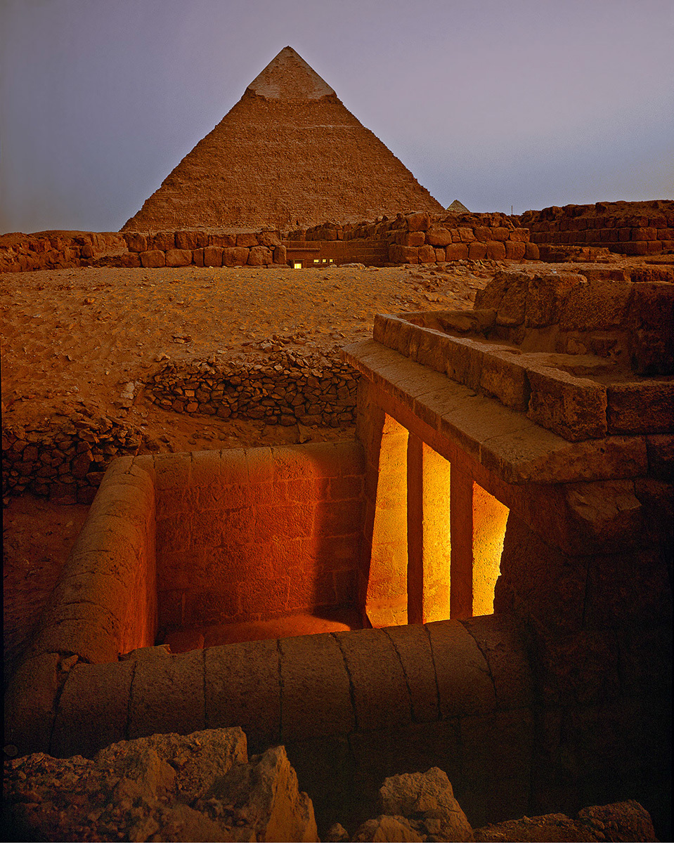 Paul Warchol: Newly excavated tombs at Giza. Shot for Condé Nast Traveler in Egypt, 1990. © Paul Warchol