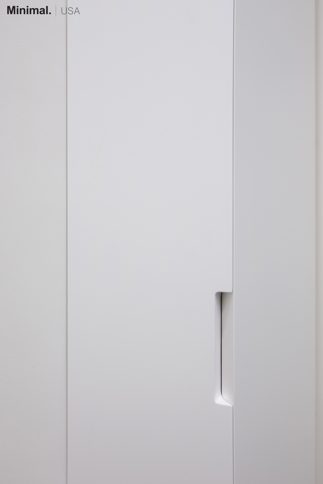 Minimal USA has designed a wardrobe that not only gives more storage space, but also represents an elegant solution for the overall design of the room.