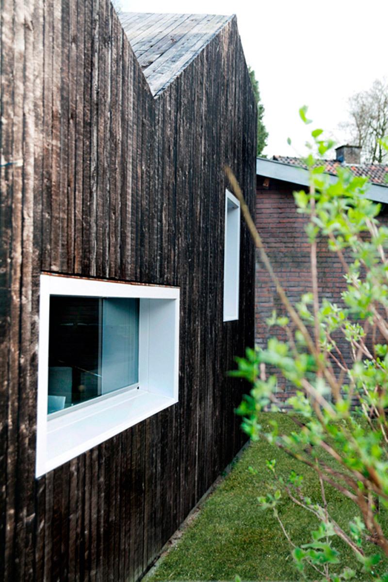 Exterior view from garden (Photo: Ossip van Duivenbode)