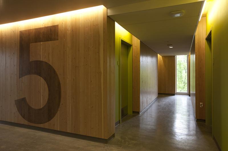 Residential floor elevator lobby ©Sally Schoolmaster