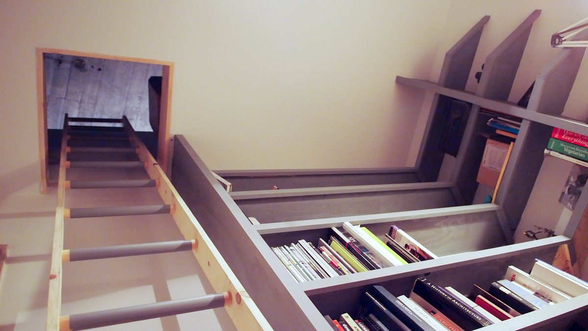 bedroom loft ladder and book shelves