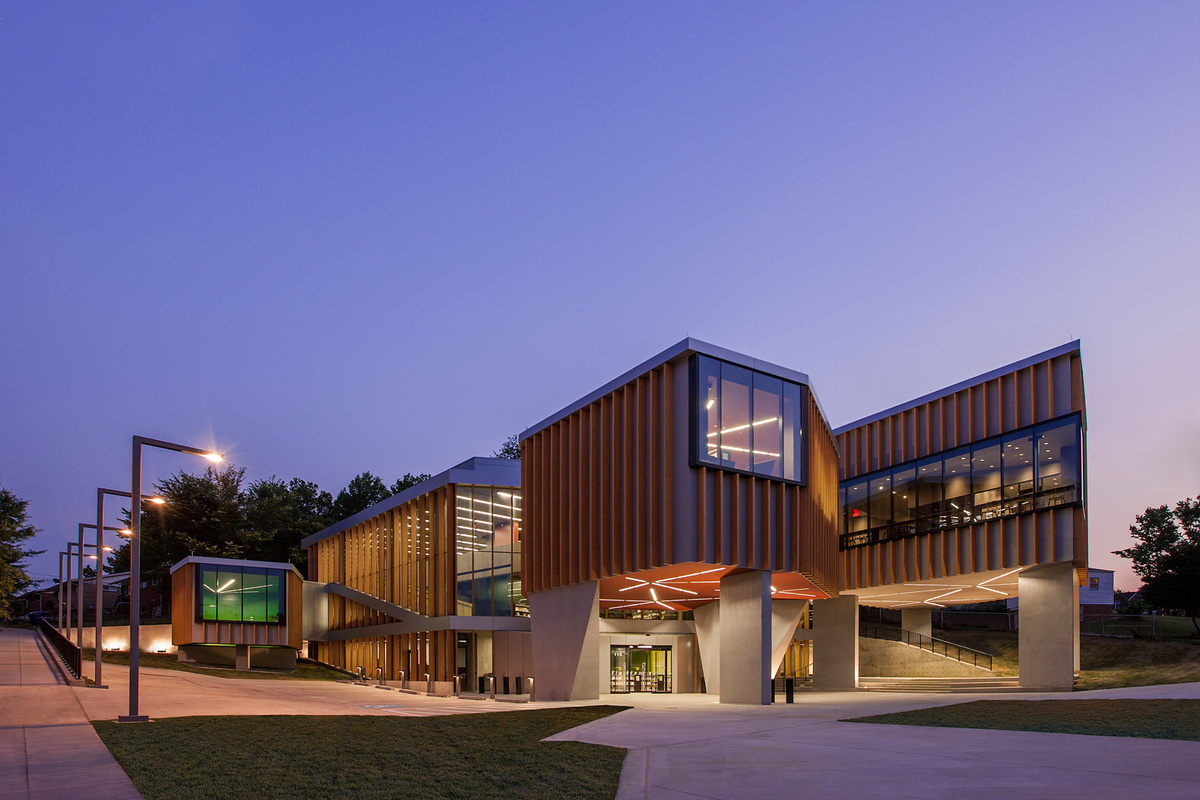 William O. Lockridge/Bellevue Library, USA by Adjaye Associates (Photo: Jeffery Sauers)