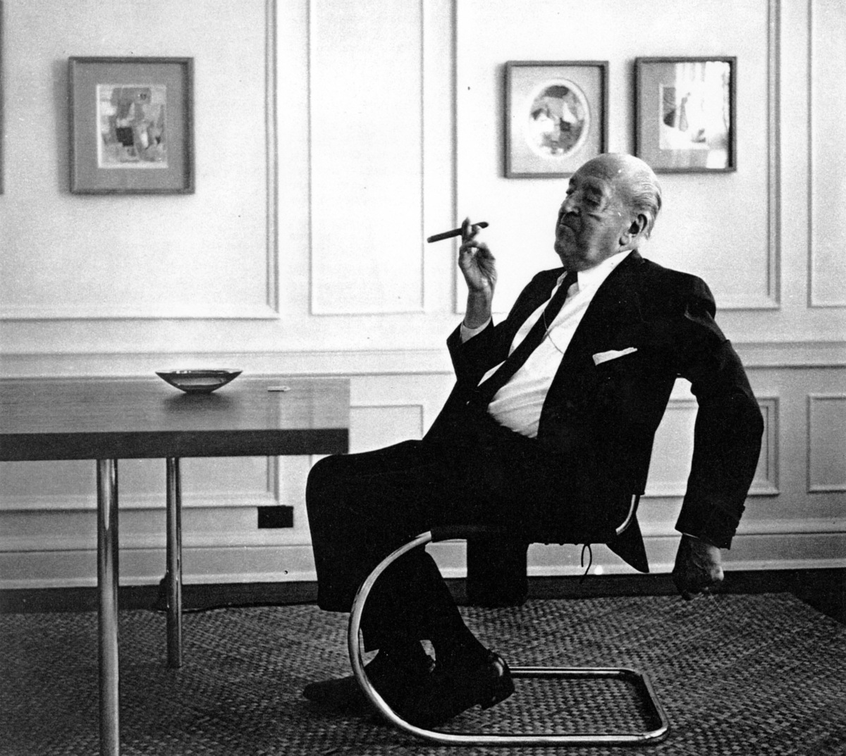 Mies van der Rohe, or should we say, Maria? Image: public domain