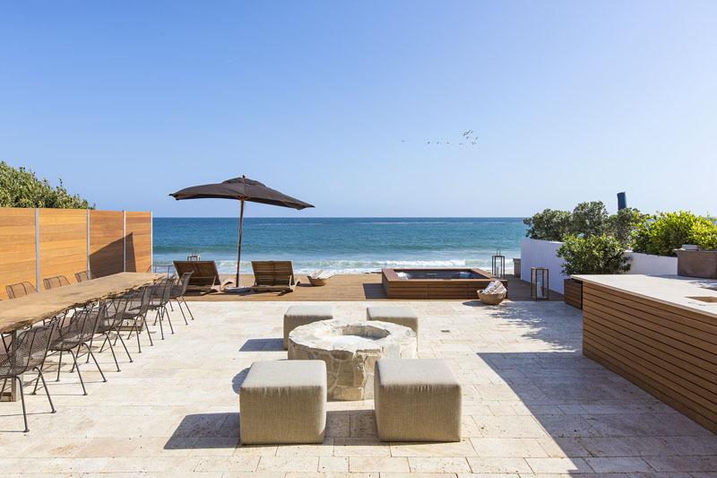 Beachfront patio with Jacuzzi